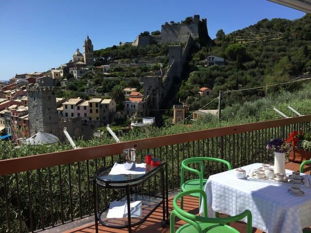 Villa Le Bocche-panorama da favola - Portovenere - วิลล่า