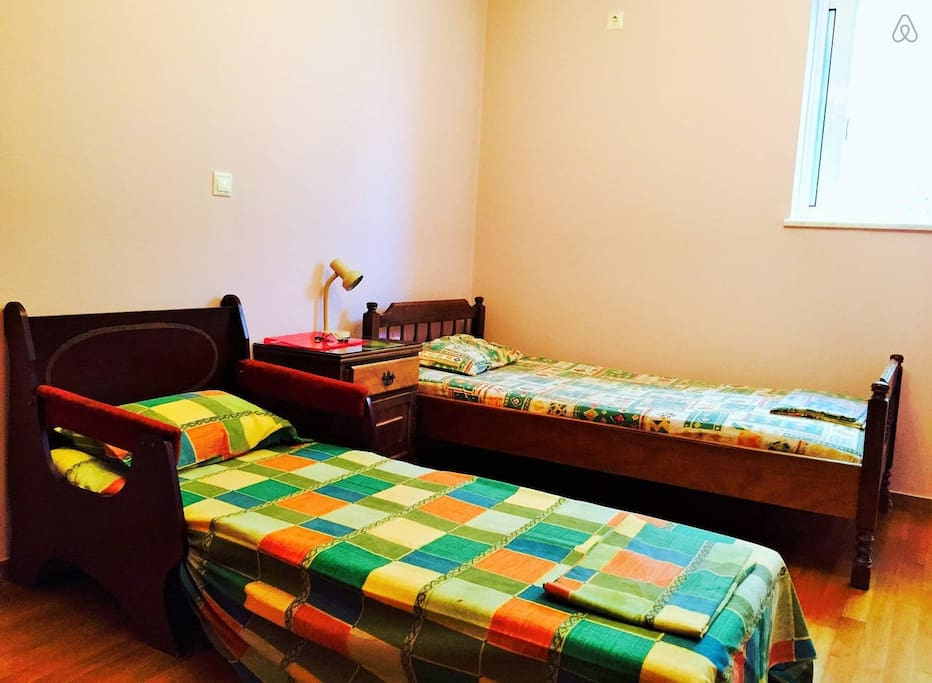 2nd room with chair bed.