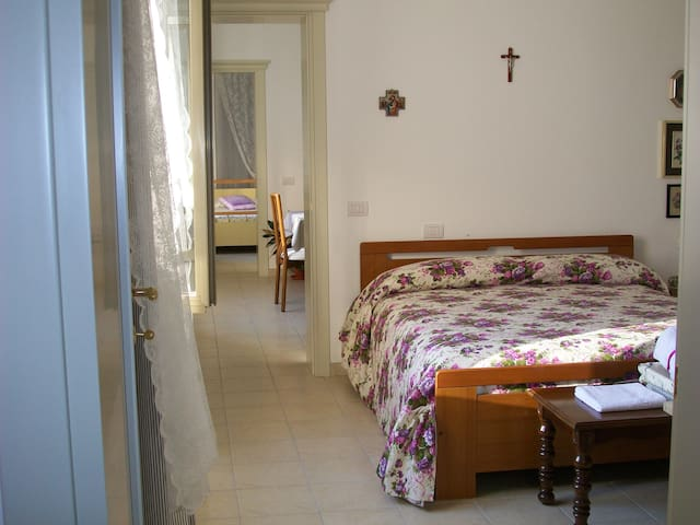 Bright Melograno's Room - Chieti - Bed & Breakfast