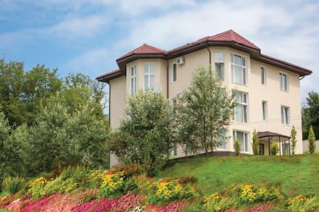 Дом для отдыха в Сочи Адлер