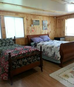 Spacious room with complete privacy - Flourtown - Дом