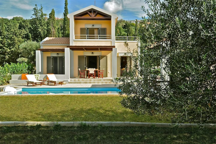 Two-bedroom luxury villa near Argostoli