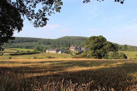 Wilde Lodge, Near Ludlow - Knighton - Hus