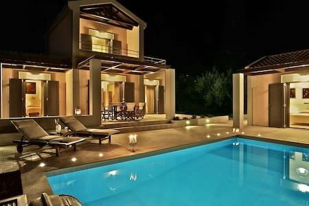 Three-bedroom luxury villa near Argostoli