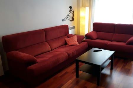Habitaciones en piso moderno - Apartament