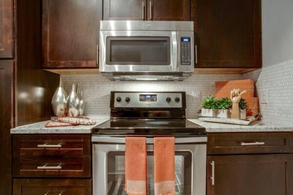 Full Open Kitchen