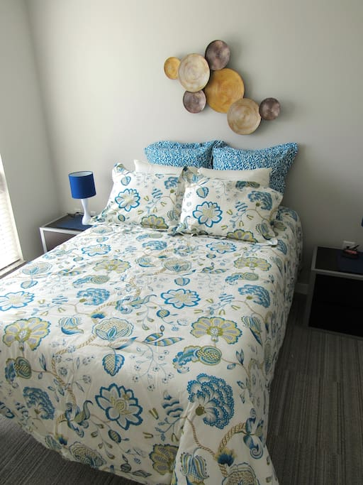 Full size XL bed with Temper Pedic mattress   Sheets included