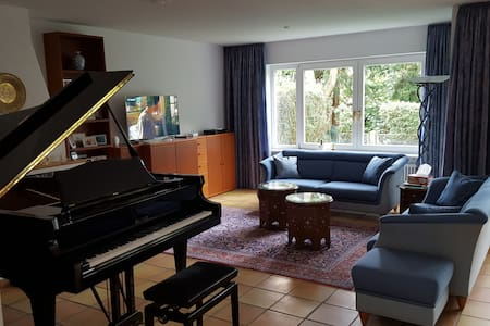 Luxurious Townhouse, Bedroom 1 of 3 - Monaco - Casa