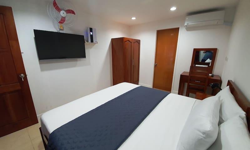 #3 Apartelle 1x King OR Twin Beds, En-suite +Patio