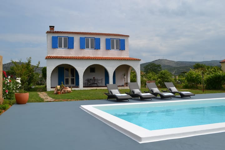 Holiday house Basilena with swimming pool