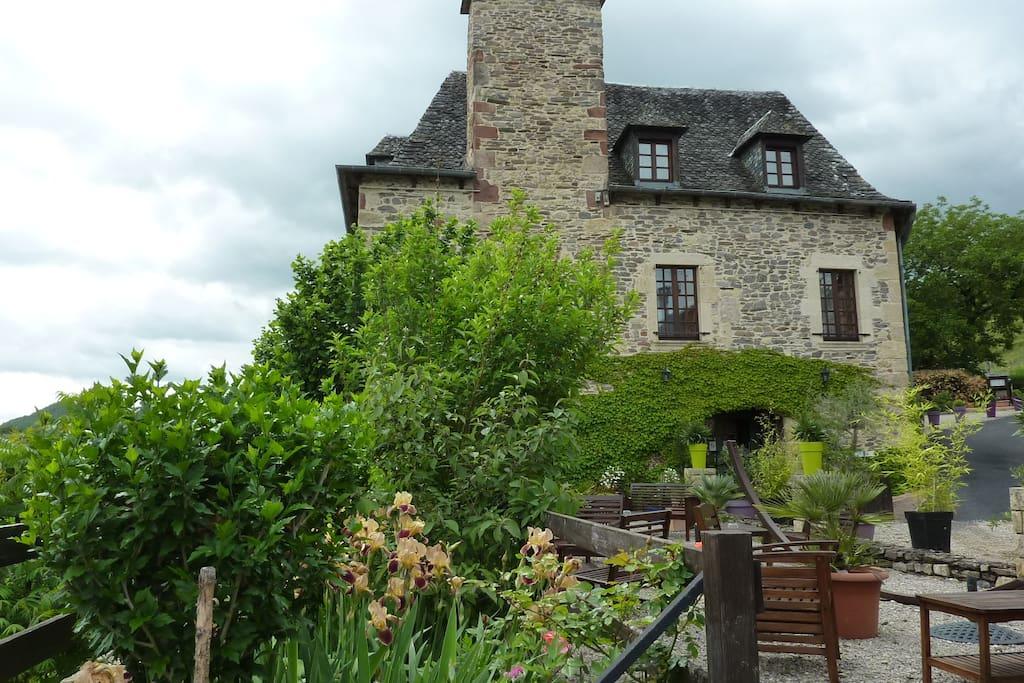 Vue de la plus ancienne des 3 maisons composant la propriété