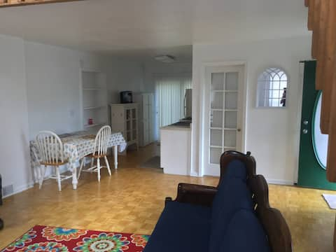 Shabby chic apartment with loft. Totally private .