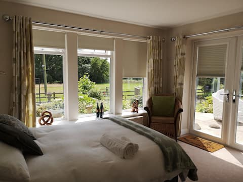 Guest suite on alpaca farm in Leeds
