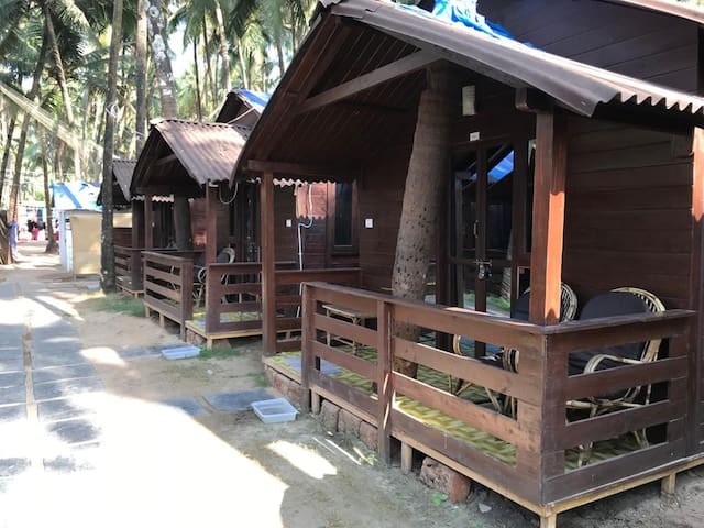 A/C Cottage with Private Balcony @ Palolem Beach