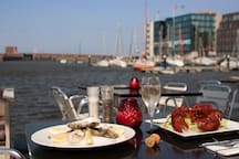 The marina is an ideal place for a romantic dinner