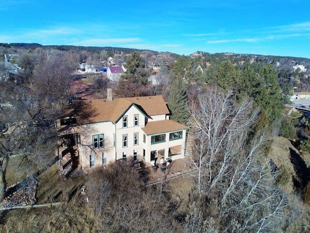 HISTORIC RESIDENCE WITH STUNNING VIEWS OF TOWN!