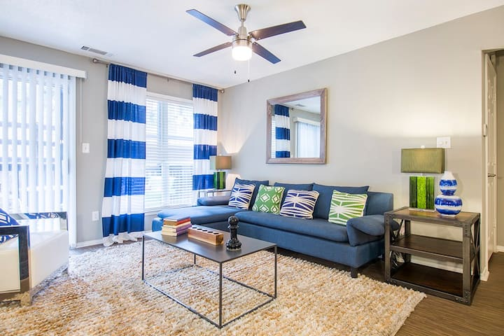 2BR oasis w/ pool, gym and more in Sandy Springs
