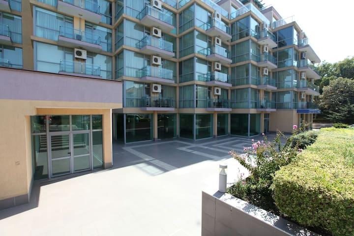 Апартаменты на первой линии Несебра - Nessebar - Apartment