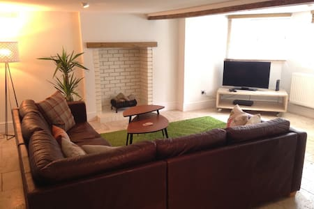 Spacious apartmt centrally located - Royal Leamington Spa