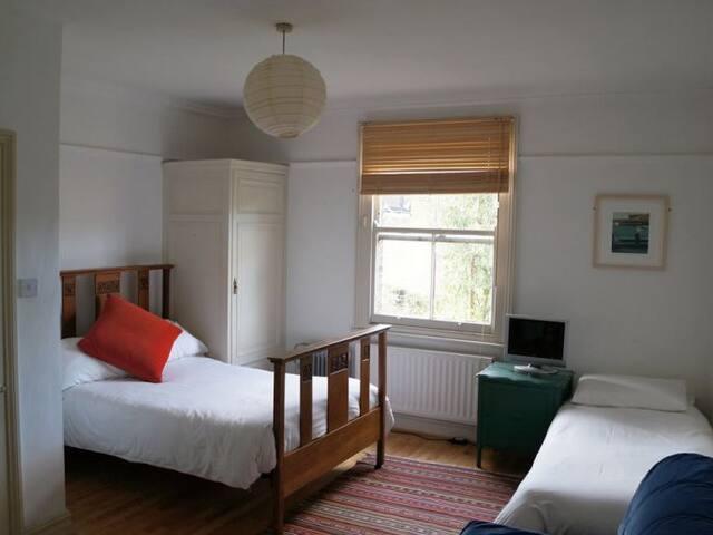 Triple Room with Ensuite Bathroom - Londres - Bed & Breakfast