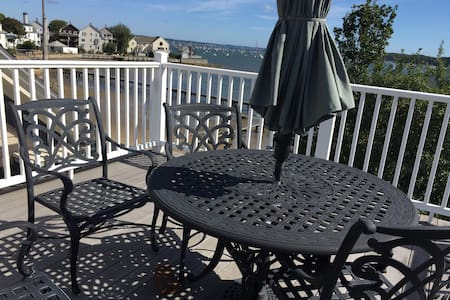 Ocean view, one bedroom, 3rd floor. - Salem - Bed & Breakfast