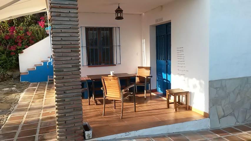 Kleines Häuschen im Olivenhain  - Málaga - Haus