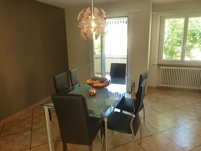 Grand appartement proche Neuchâtel - Noiraigue - Apartment