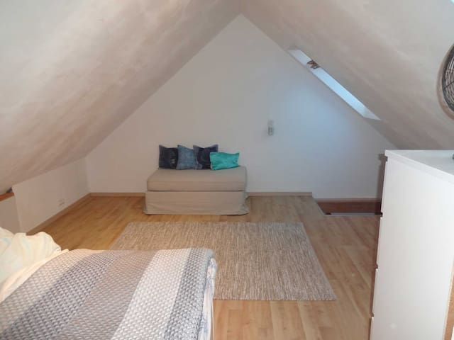 3 Room Apt direct on the S-Bahn Munich - Vierkirchen - Daire