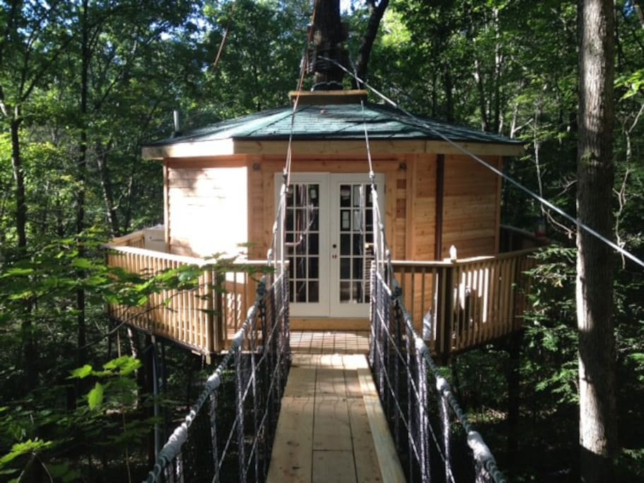 Holly Rock Treehouse Treehouses For Rent In Hico West