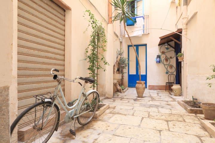 Courtyard Botteghelle - Trapani
