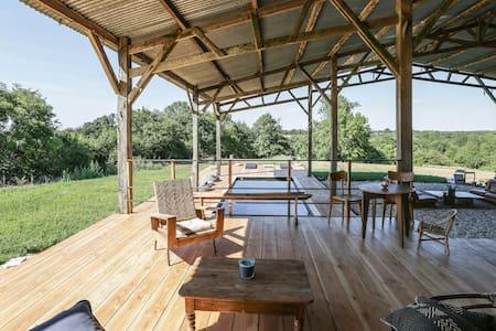 Gîte insolite,design,piscine privée,proche plages - Nieul-le-Dolent - Villa