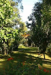 Villa Halil ev odası- ortak banyolu