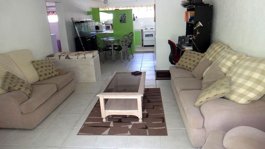 Fully-equipped apartment close to beach