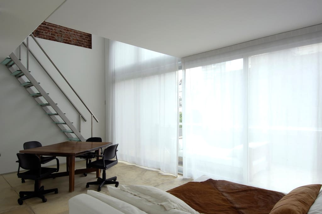 Balcony loft room design ce hotel lofts for rent in for Ce design buenos aires