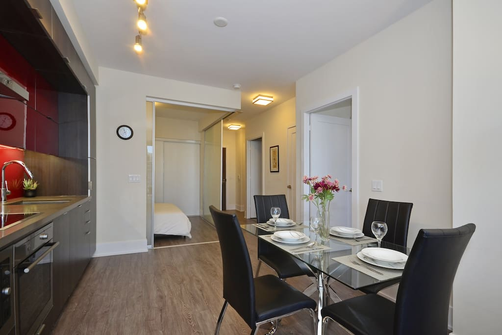 Cn Tower Area Downtown Toronto 2 Bedroom Serviced Apartments For Rent In Toronto Ontario