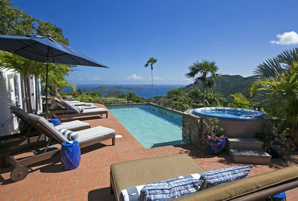 Pool, Jacuzzi & Amazing View