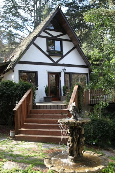 Front entrance from garden to modern chalet