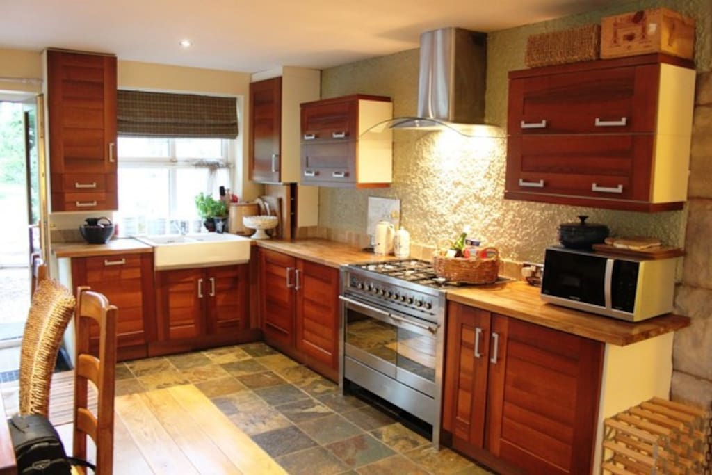 Fully fitted, fully equipped kitchen with plenty of space.