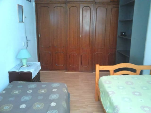 Room2Rent- near Santiago Bernabeu & City Ctr
