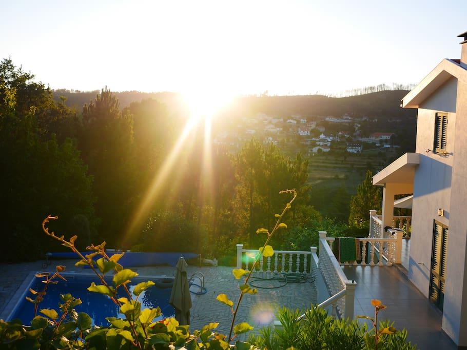 Tot laat in de avond is van de zon te genieten.