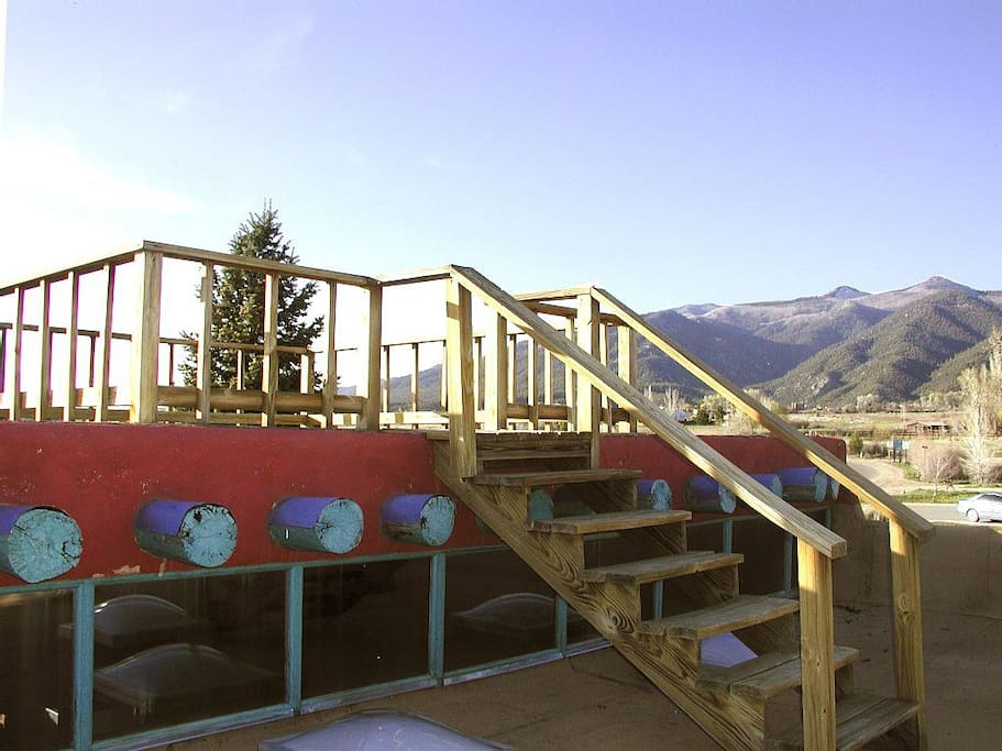 Rooftop deck, offers amazing 360 degree views