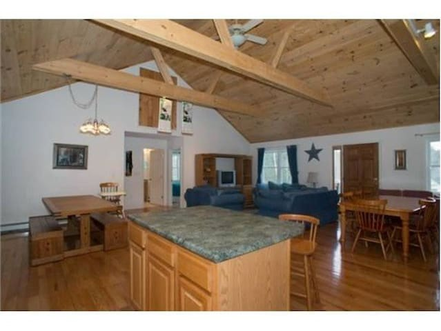 Amazing Home in the White Mountains - Conway - Ev