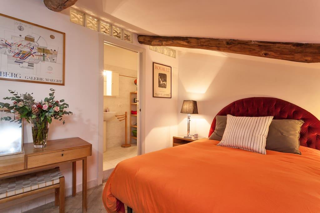 Romantic and cozy attic in Roma!