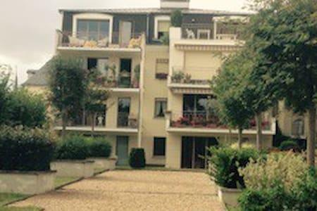 Appart. de standing 90m² centre - Montargis
