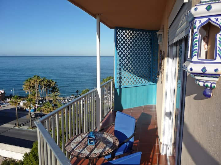 Seafront Studio-Panoramic Sea Views
