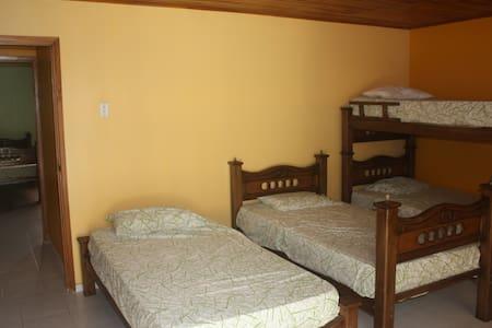 Shared Oceanview Single - Room #4c - Santa Veronica - Villa