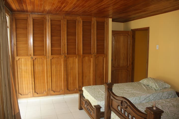 Shared Oceanview Single - Room #4d