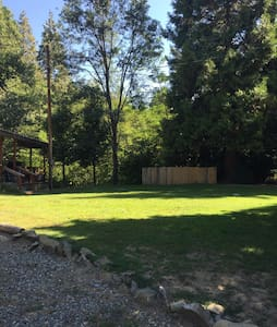 Creekside- 15 min from Yosemite! - Oakhurst - Cottage