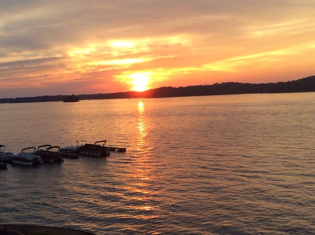 Lake Martin Alabama..gorgeous views - Dadeville