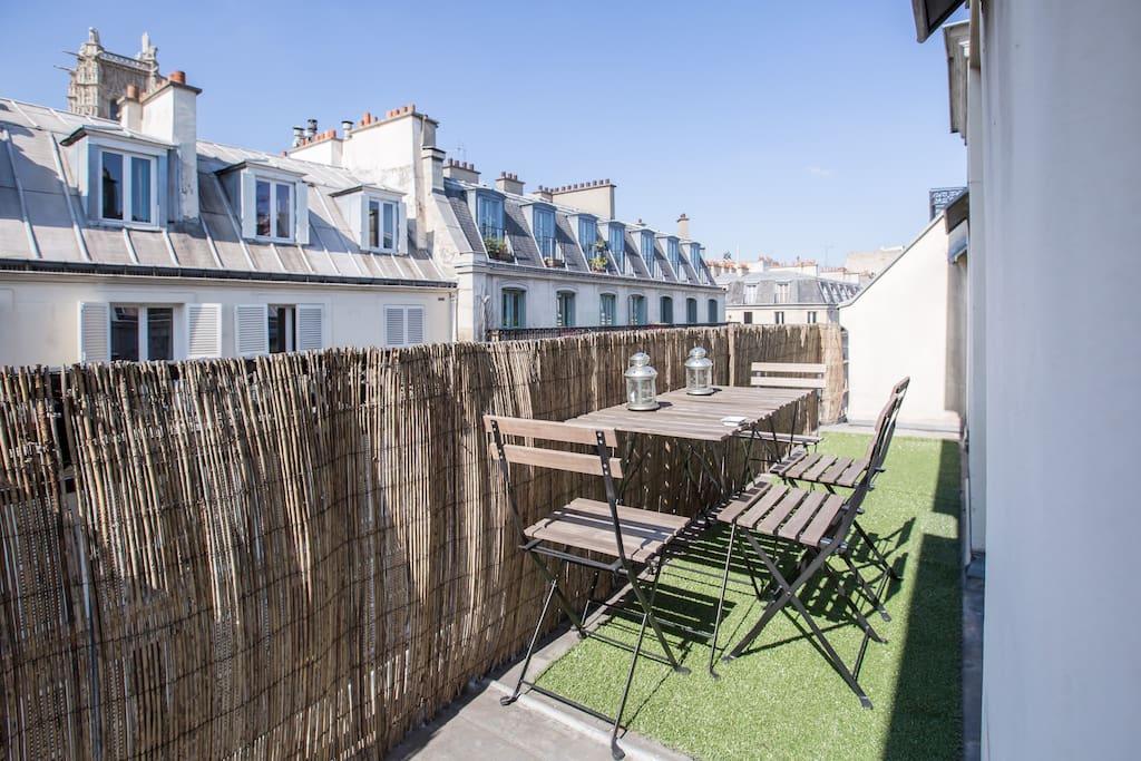 2 pieces terrasse dans le marais appartements louer for Appartement paris 12 terrasse